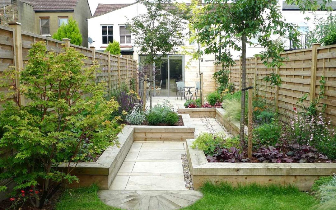 How To Edge: Tips & Techniques To Give Your Garden A Clean Look